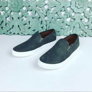 NWOB Steve Madden Zarray Slip On Shoes Sz 8 Gray